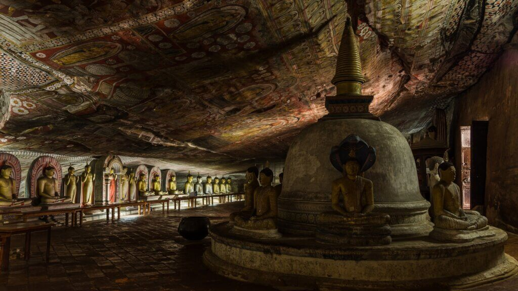 Image of famous wall paintings in Dambulla Cave Temple