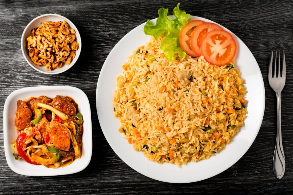 Image of Fried rice with fish curry and cashew nuts